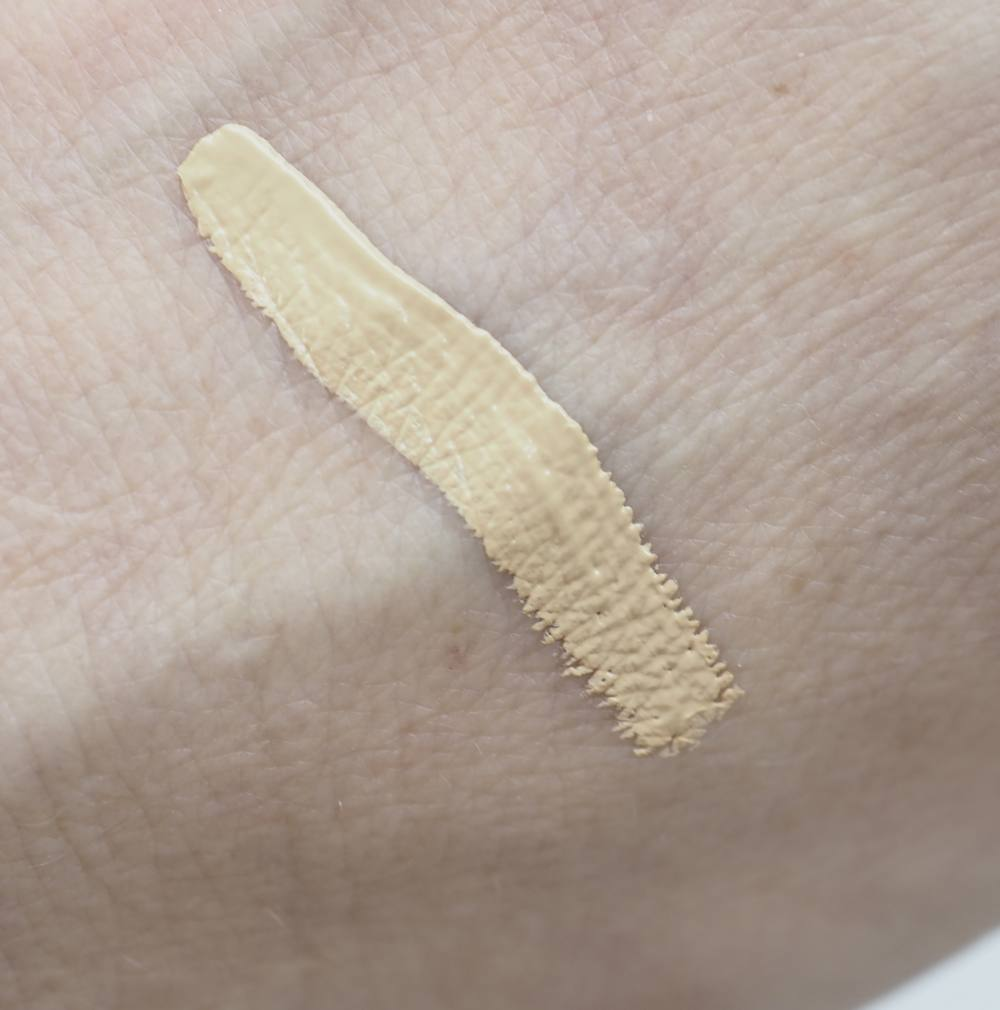Swatch Ilia Chicory True Skin Serum Concealer