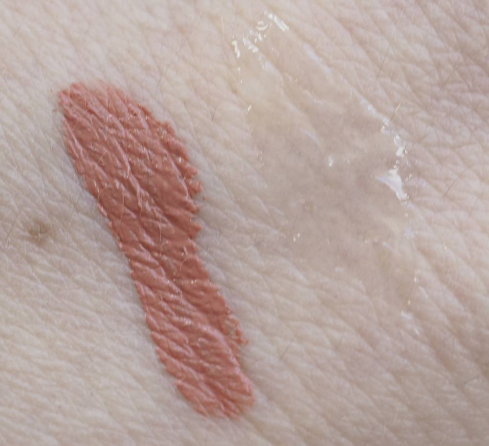 swatches Pur 4-in-1 Lip Duo
