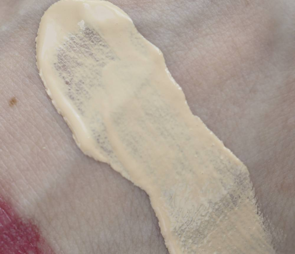 swatches Florence by Millis Like a Light Skin Tint Cream Moisturizer