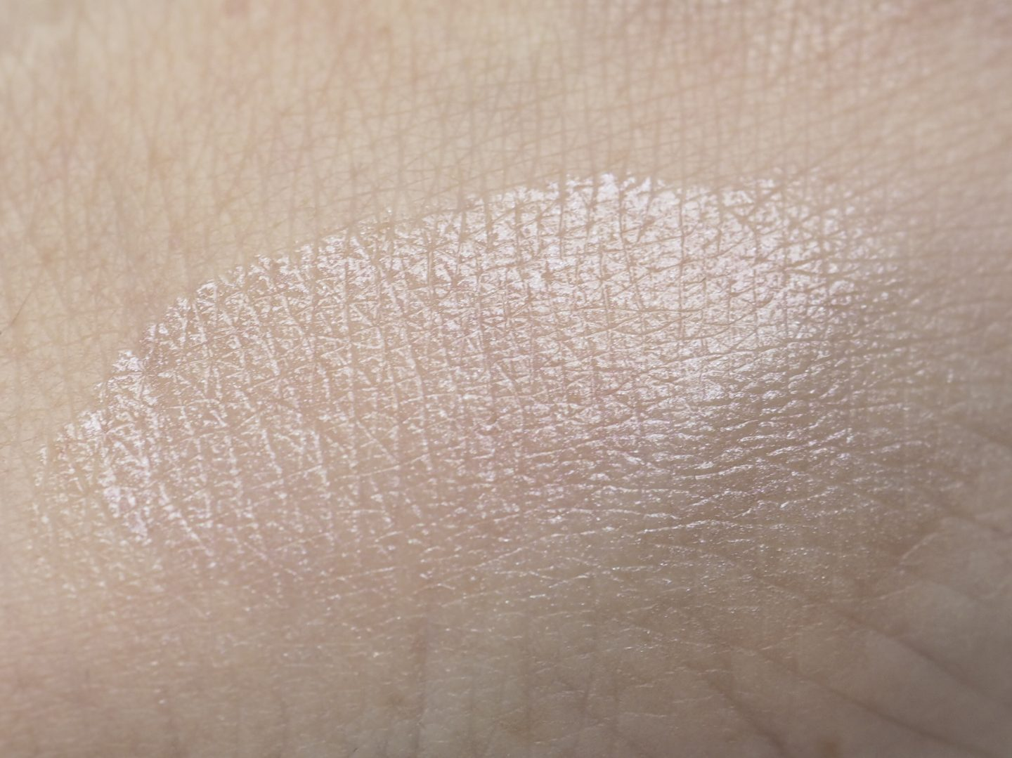 swatch RMS Beauty Amethyst Rose Luminizer