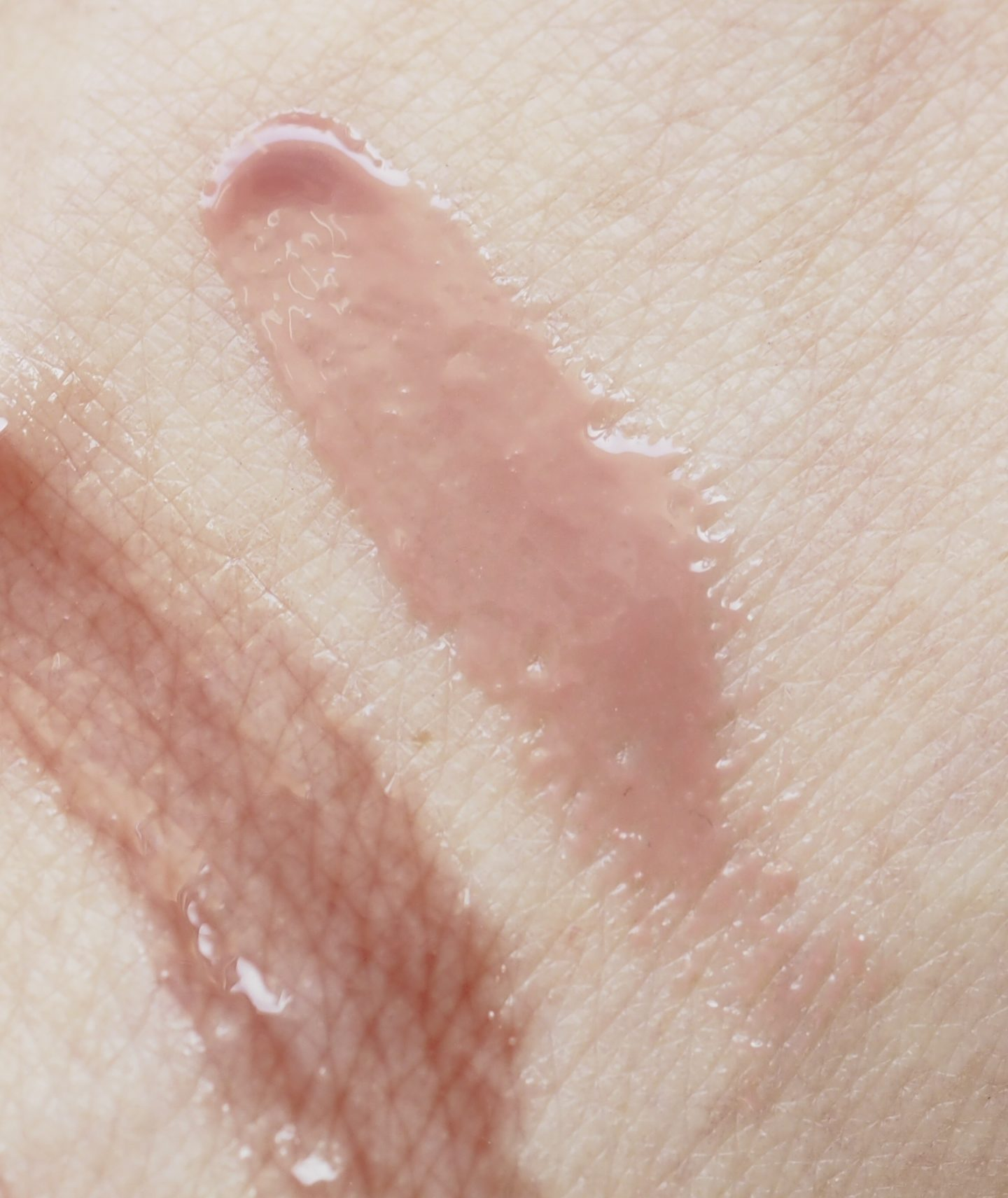 swatch Madara Magnetic Nude Glossy Venom