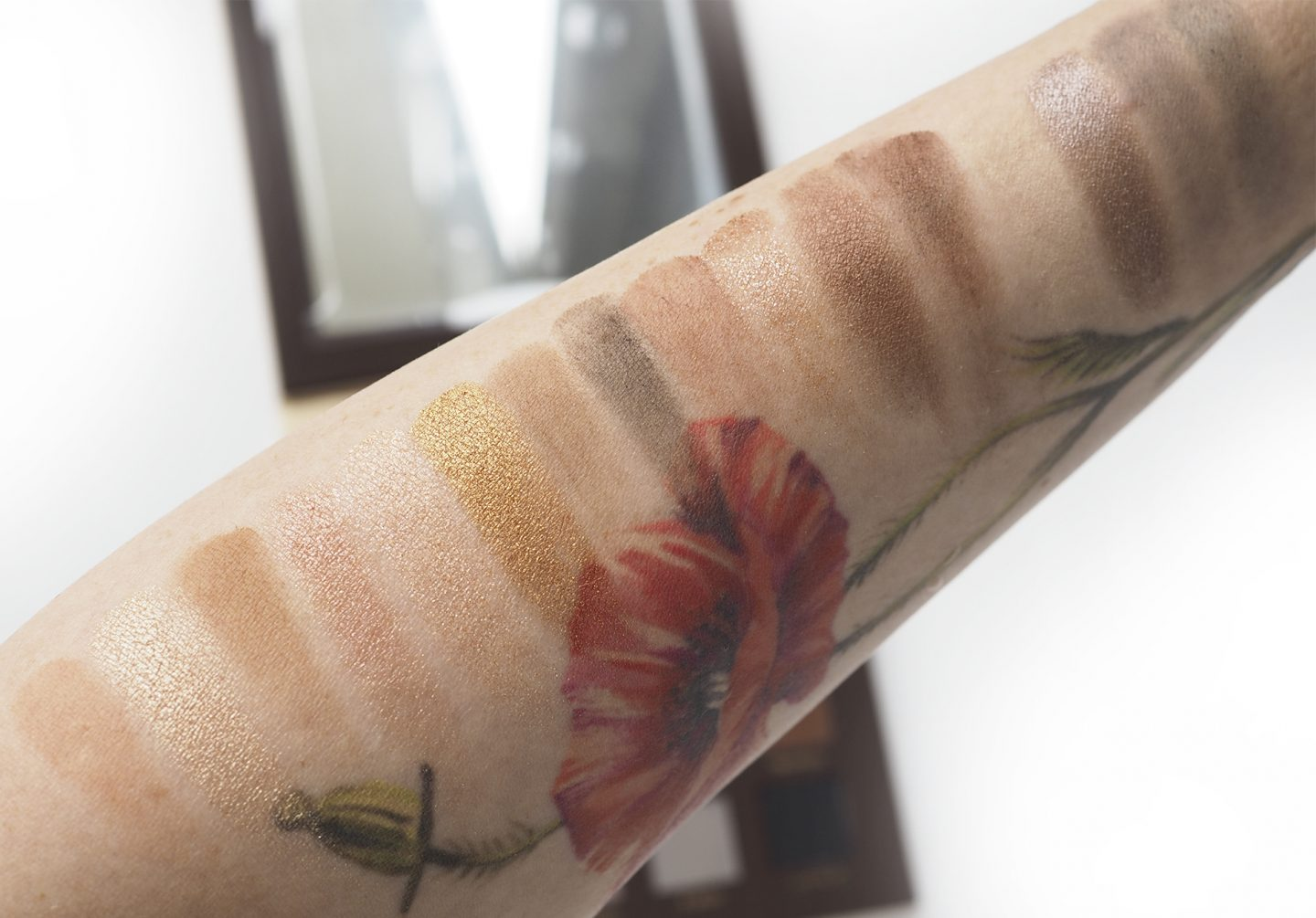 Swatches Nabla Side By Side Nude