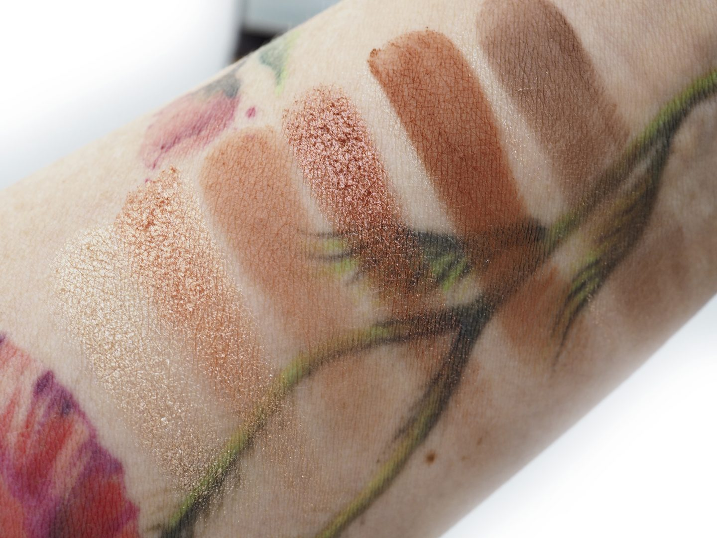 Swatches Charlotte Tilbury Darling